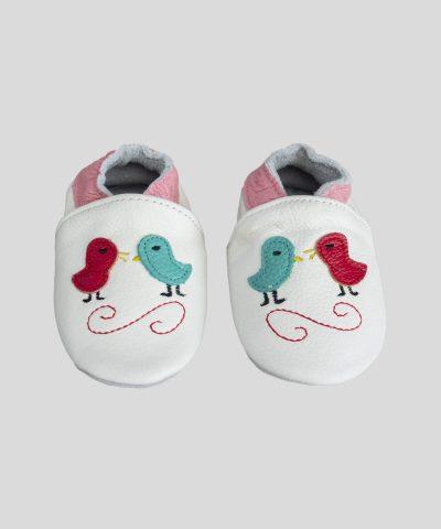 Кожени пантофки с птички в бял цвят