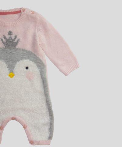 Плетен гащеризон с пингвин