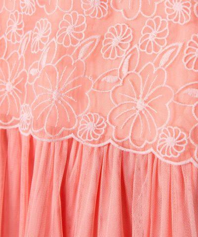 детска рокля с бродерии и тюл в цвят корал
