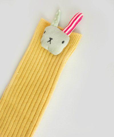 Високи чорапи с апликация зайче за деца от 1 до 3 години