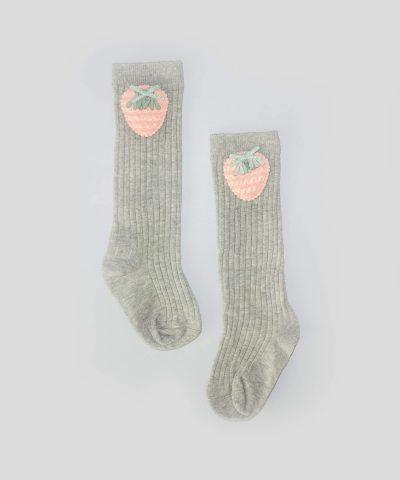 Високи чорапи с апликация ягодка за бебета и деца от 1 до 3 години