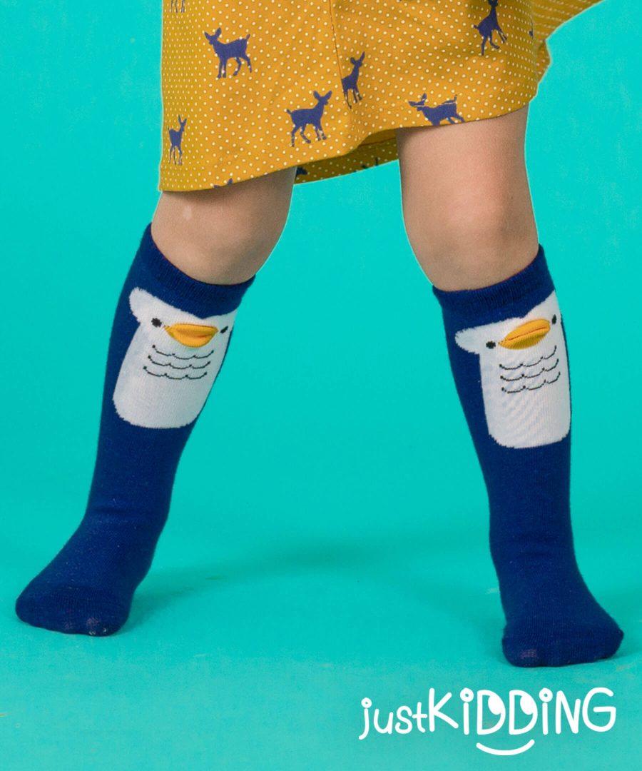 Високи чорапи с пингвин