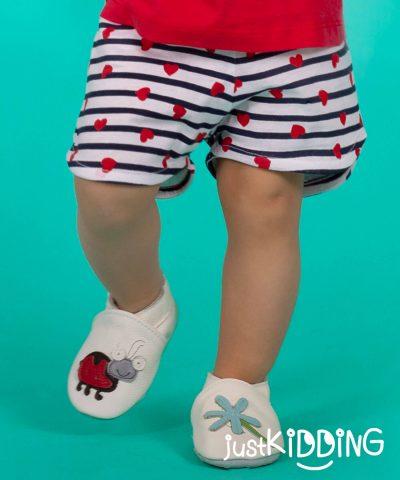 бебешки и детски къси панталонки със сърца за момиче