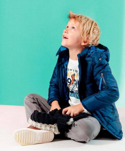 Детска пухенка с качулка в син цвят за момче