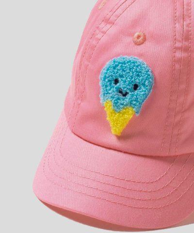 Бебешка шапка с козирка в цвят корал с декорация сладолед