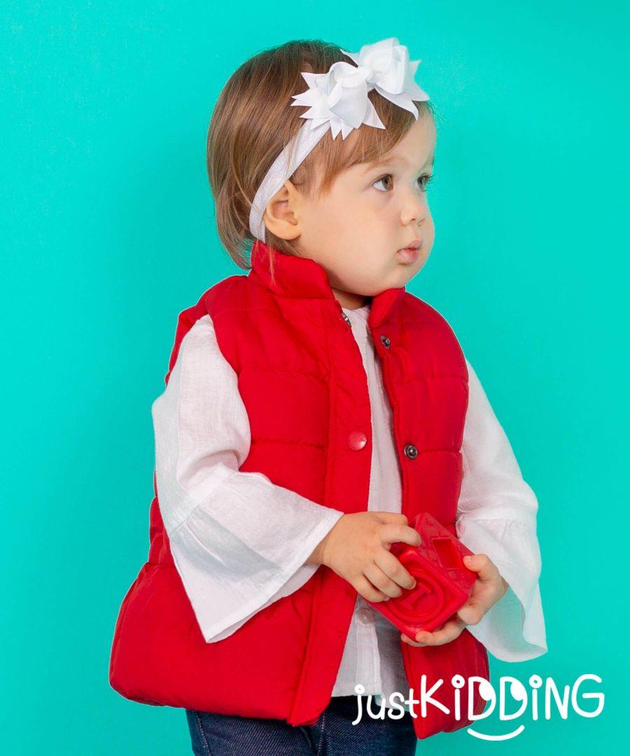 елек в червен цвят за бебета и деца