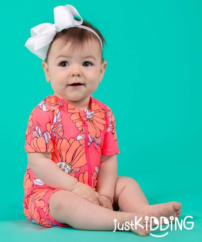 бебешки бански неон с цип и слънцезащита UPF 50+ за момиче