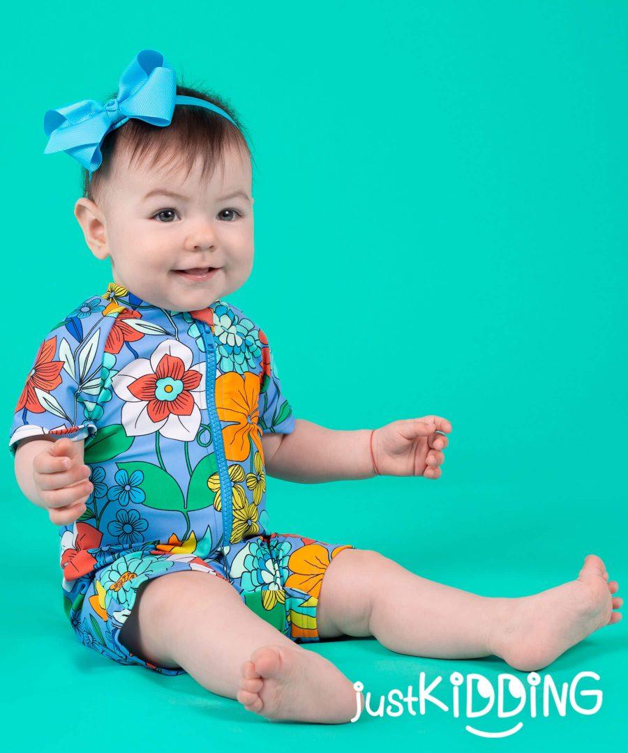 бебешки бански с цветя с цип и слънцезащита UPF 50+ за момиче