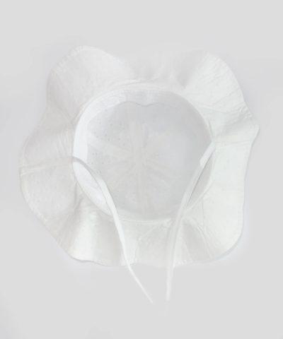 Детска лятна шапка за слънце в бял цвят