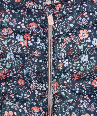 бебешки елек в тъмносин цвят с цветя за момиче