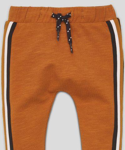 Спортен панталон с кант за бебе и дете момче