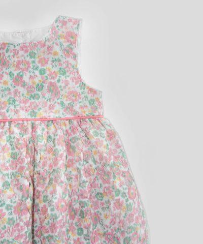 Дантелена рокля с цветя