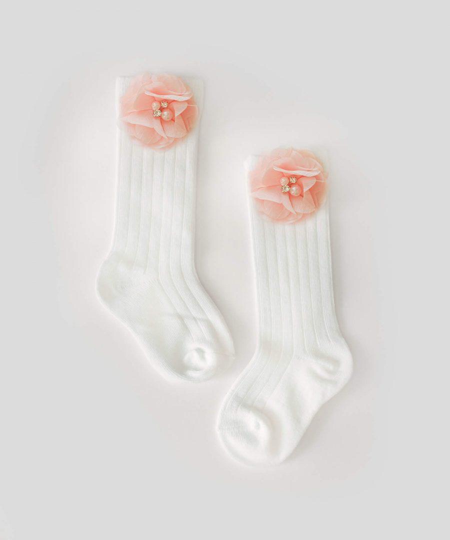 Високи бели чорапи с апликация цвете